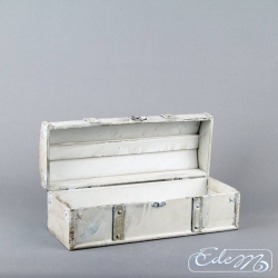 Rectangular wooden trunk - white vintage