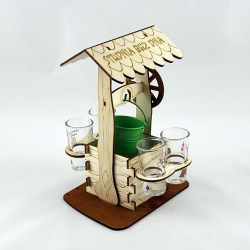 Bottomless well - a carafe with glasses